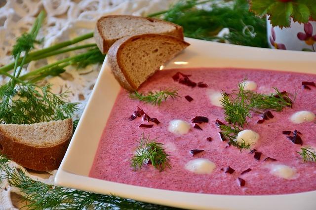 Botwinka-zuppa-barbabietole